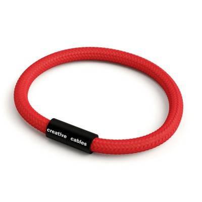 Bracelet avec fermoir magnétique noir mat et câble RM09 (effet soie Rouge)