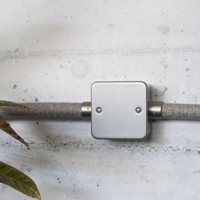 Boîte de jonction avec cinq sorties pour Creative-Tube, corps métallique