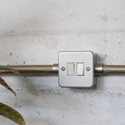 Boîte murale en métal avec double interrupteur pour Creative-Tube