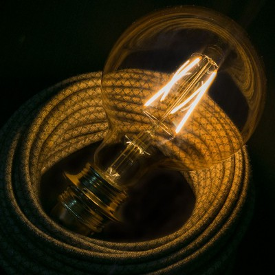 LED goudkleurige lichtbron - De Globe G125 met lange kooldraad - 4W E27 decoratief vintage 2000K