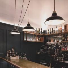 Un éclairage chic et industriel pour un restaurant étoilé